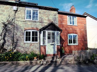 53148 Cottage situated in Oswestry (2mls SW)