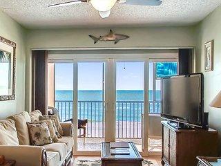 Villa Madeira 404 Gorgeous Gulf Views/Many updates/Walk to John's Pass!
