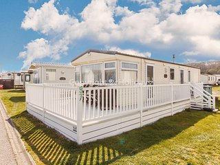 6 berth dog friendly caravan for hire at North Denes in Suffolk ref 40097