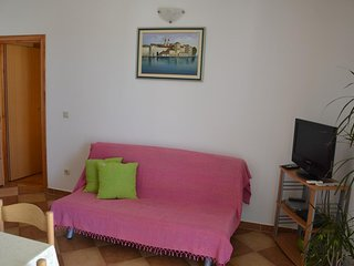 Trogir Apartment Sleeps 3 with Pool and Air Con - 5786882