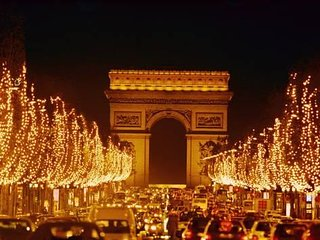 160m2 A BIT OF GLAMOUR-CHAMPS ELYSEES !