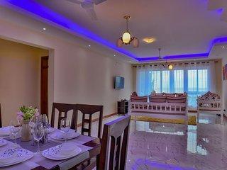Edmor Residences -Nyali White Home King Room