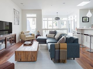 Tour San Francisco from a Stunning Home