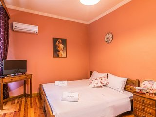 A bright cozy apartment in the heart of Corfu old city!