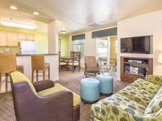 **(2-bedroom LV Condo special 16-20 May)** - EDC!, casa vacanza a Las Vegas