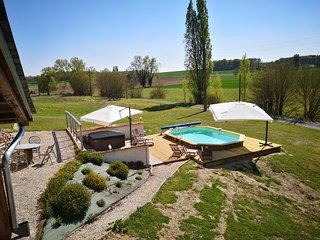La Roche d'Enchaille Luxury accommodation with heated pool &hot tub in the Loire