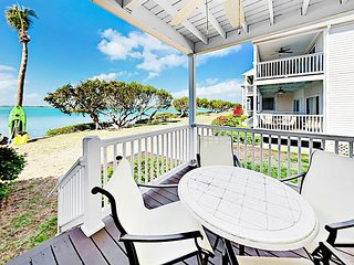 Island Retreat 2BR Waterfront Villa w/2 Balconies & Aquamarine Ocean Views