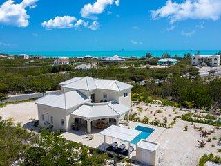 The Sapphire Villa - 3 - Bedroom Luxury Villa , Long Bay Beach , private pool