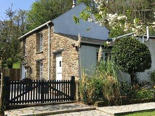 Bill's Barn, Romantic Cottage Nr Perranporth, Sleeps 2, Dog friendly, Log fire