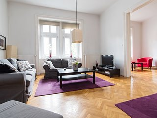 Cozy apt w/3 bedrooms in Budapest center