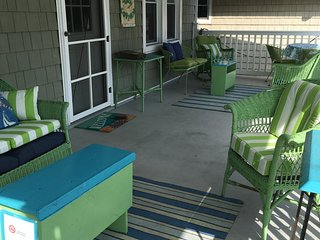 Ventnor Happy Ours Cottage 3Bd/2B- 200 Steps beach LABOR day WEEK AVAILABLE