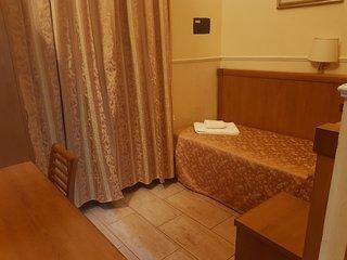 Hotel Aristotele Single Room with Private Bathroom