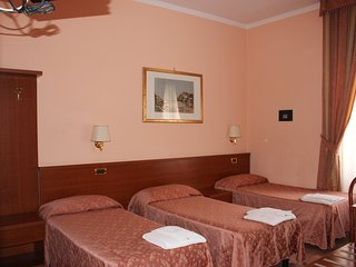 Hotel Aristotele Quintuple Room with Private Bathroom