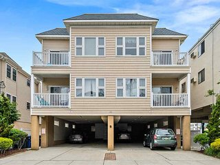 Perfect Location! One Block to Boardwalk, Watch the Fireworks from Rooftop Deck!