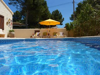 Luxury Villa 5 minute walk into Moraira, Pla Del Mar with private pool.