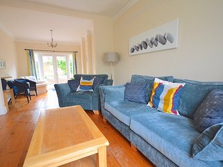 Sunny and spacious Victorian Villa, central and quiet location.