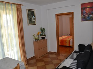 Trogir Apartment Sleeps 4 with Pool and Air Con - 5786887