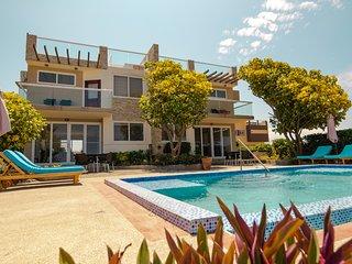6 Bedrooms Ocean Front Villas