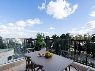 Keren Hayesod Luxury Penthouse