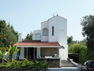 Villa Dimi - 100m to the Beach, 4 Bdrms, Garden, Sea View