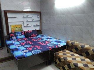 2-Bedroom Set Akshi Sec18 Metro Noida