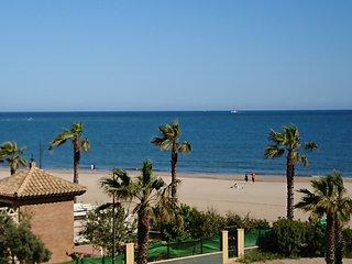 Apartamento Primera linea de Playa vista al mar 6