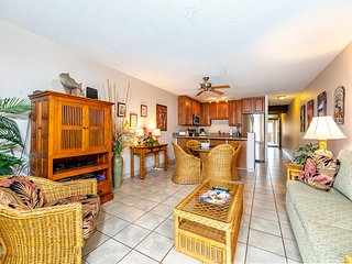 Cheery Maui Rental w/Gourmet Kitchen, Lanai, WiFi, Flat Screen–Kamaole Sands