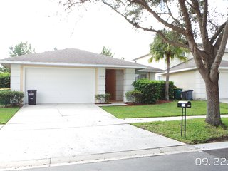 3bed 2 bath pool home with game room free wifi gated community close to Disney