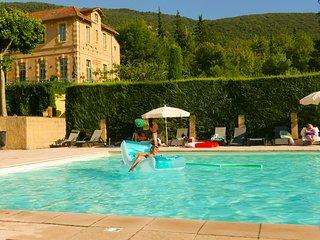 Studio L'Adoration, een romantisch vakantieverblijf in een bijzonder kasteel in hartje Provence