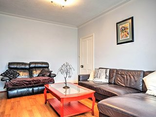 Gorgeous Gorleston Edwardian terraced house, close to wide sandy beach, sleeps 8