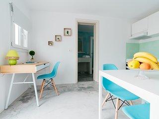 Excellent Cycladic Suite Santorini