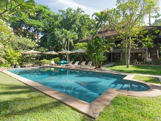 Villa 'La Palmeraie' for 10 people with private pool, free airport transfer