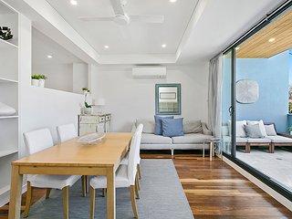 EDEN 2 - Light Filled 1 BR Apartment in North Sydney