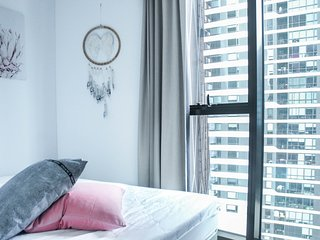 Lighthouse 2106 . High Rise City View*Comfy 1Br Apr*Free Tram Zone