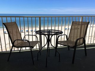Clearwater 5D ~ Bright and Beachy ~  Beach Front  ~ Bender Vacation Rentals