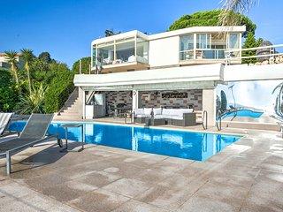 IMMOGROOM - 3*** - Panoramic Sea view - swimming-pool -AC- CONGRESS/BEACHES