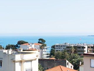 IMMOGROOM-3*** Sea view - Balcony - A/C CONGRESS/BEACHES