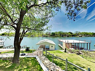 LBJ Lake House & Guest Suite - Private Boat Dock, Waterfront Deck