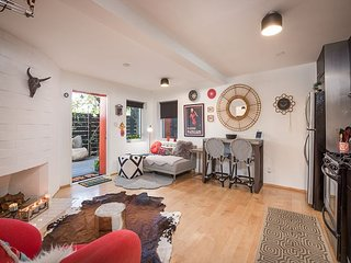 Chic & Tranquil Studio Flat in Silver Lake w/ Deck - Walk to Dining & Shops