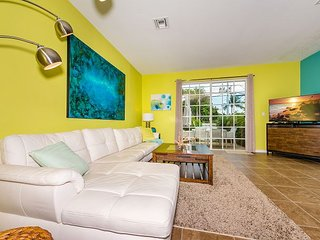 New 3BR Santa Barbara Villas Townhome w/ Pool & Spa–Near Beach, Dining, Golf
