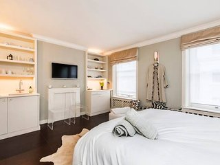 Unique 1 Bed Apartment in Belgravia, 5 Mins from Harrods!