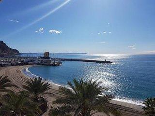 Precioso ático en primera línea de mar Aguadulce (Almería)