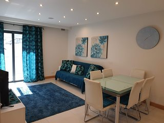 Modern 2 Bedroom Apartment 10 Minutes to Mellieha Bay - Free Wifi