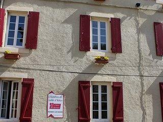 Spacieux appartement dans maison de charme en pays cathares