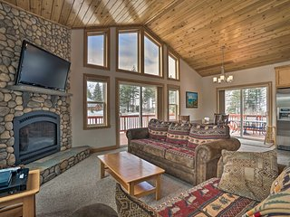 NEW! South Lake Tahoe Home, 9 Mi to Heavenly Mtn!