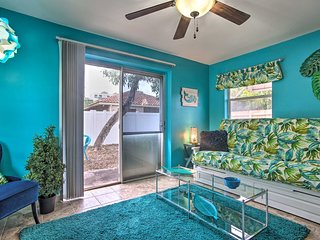 Ft Lauderdale Cottage w/ Patio, 2 Mi to Beach