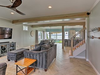 House w/ Patio, Grill, Ping Pong by Lake Erie