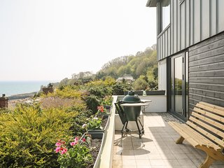 LITTLE MEADOW, WiFi, dog friendly, Newlyn