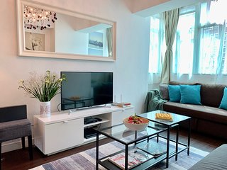 NEW!MODERN EUROPEAN STYLE! 4 BEDROOMS/ 5 BEDS/ 2Bath NATHAN ROAD at MTR exit!