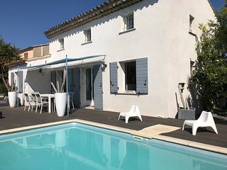 Villa standing - Piscine chauffée - Bord de mer